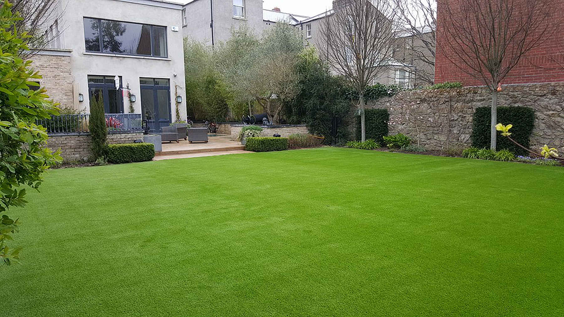 artificial grass lawns Dublin
